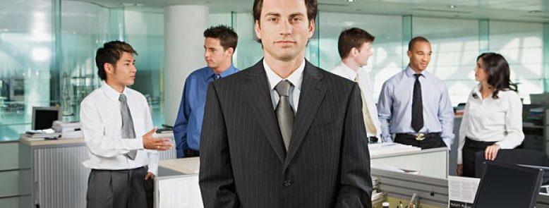 Pese a que el empresario está obligado en diversas cuestiones relativas a la prevención de riesgos laborales