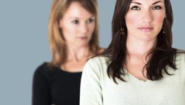 ¿Cómo podemos evitar la envidia entre empleados? ¿Qué hacer y cómo actuar cuando existe demasiada rivalidad entre trabajadores o compañeros de trabajo? Entra en RRHH.site y descúbrelo.