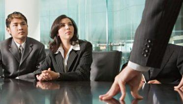 Cuando una empresa decide terminar la relación laboral con uno de sus empleados puede caer en la improvisación