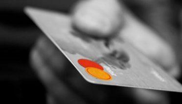 Entra en RRHH.site y conoce qué se puede hacer con una tarjeta de crédito empresarial y qué no. Haz click e infórmate.